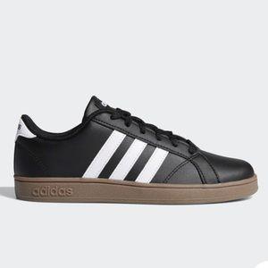 Boys Adidas BASELINE SHOES Size US 3.